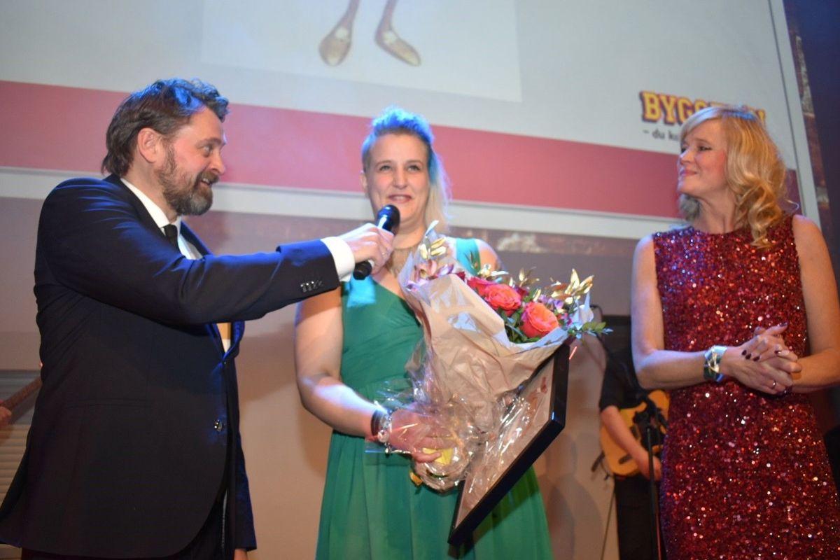 Kristin Sørvig fra Bygger'n Lade ble kåret til Årets servicehelt basert på levering av service langt over standard nivå. Hun fikk blomster, diplom og gavekort.