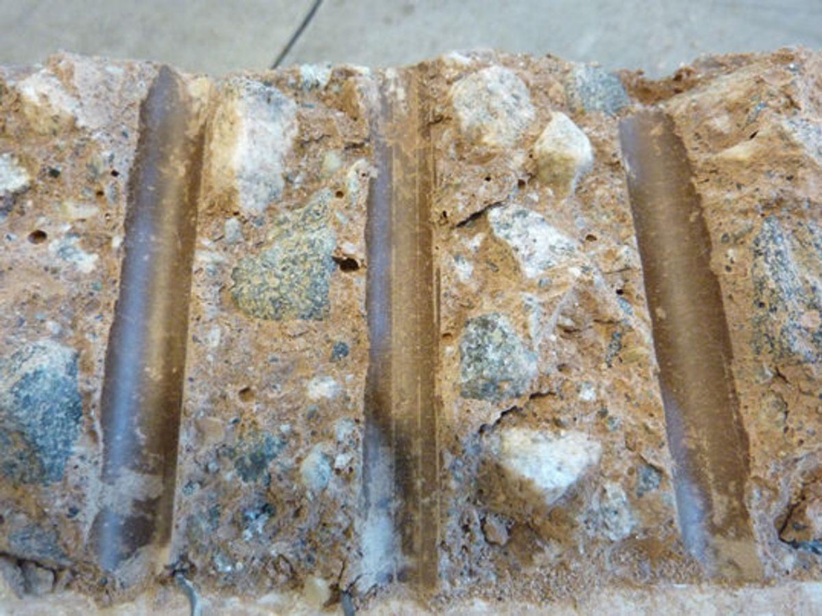 Ingen korrosjon og rene armeringsavtrykk etter 40 døgn. Foto: SINTEF