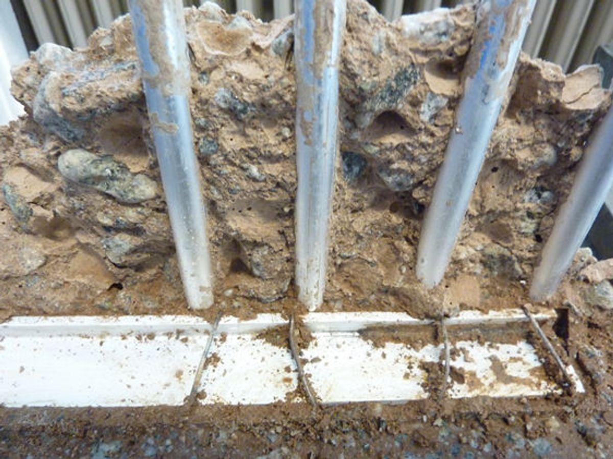 Ingen korrosjon av aluminiumarmeringen i test. Foto: SINTEF