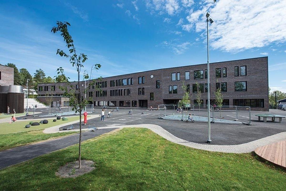 Holmen skole. Foto: Trond Joelson
