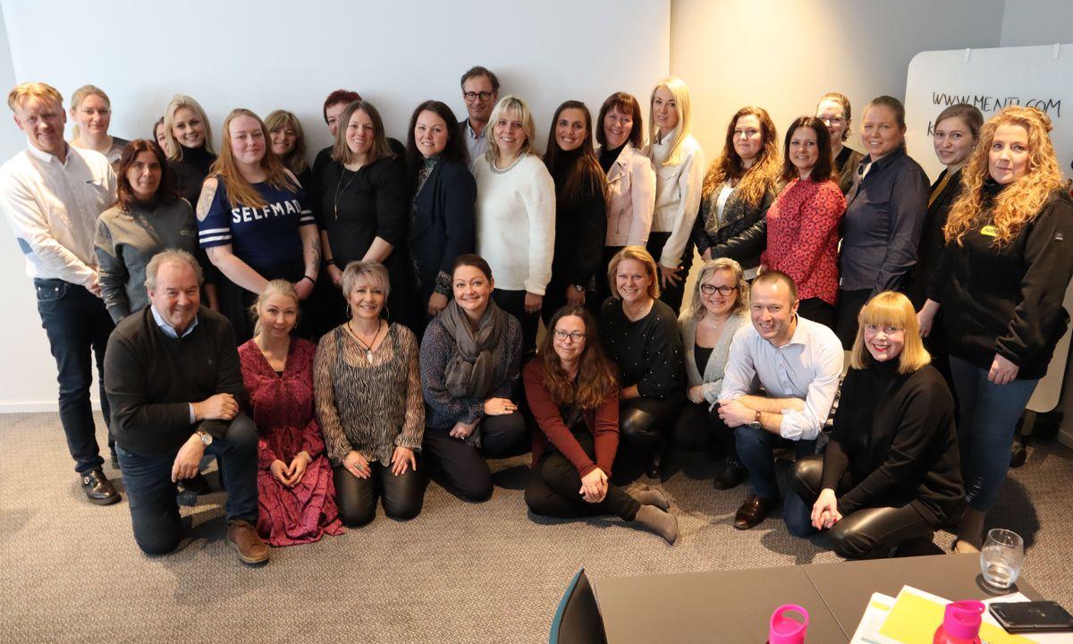 Hele 25 av 30 kvinner i Ramirent deltok på samlingen, hvor også hele ledergruppen var til stede med administrerende direktør Øyvind Emblem i spissen. Svanhild Blakstad