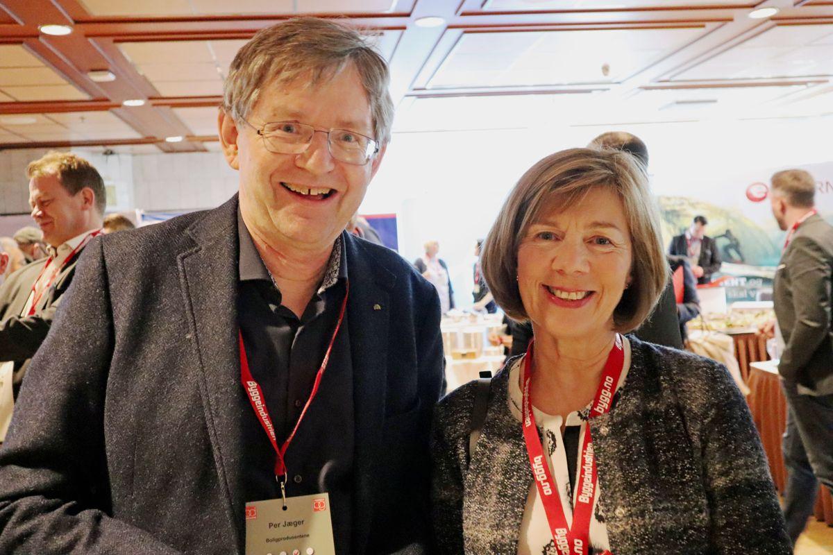 <p>Administrerende direktør Per Jæger i Boligprodusentene og Rigmor Hansen, direktør i Undervisningsbygg Oslo KF er to av nærmere 500 deltakere på Byggedagene 2019. Foto: Svanhild Blakstad</p>