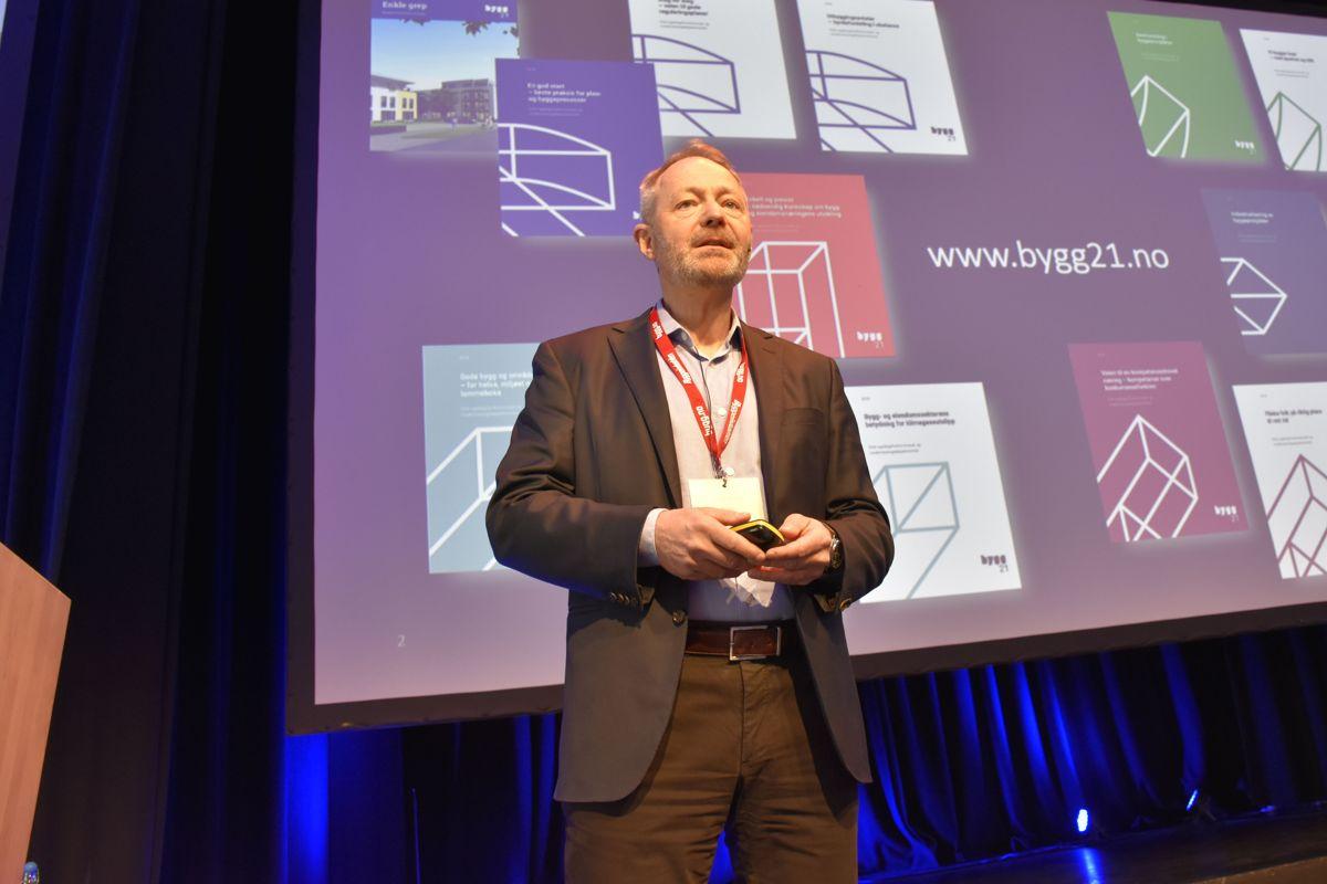 Arne Malonæs, Bygg21