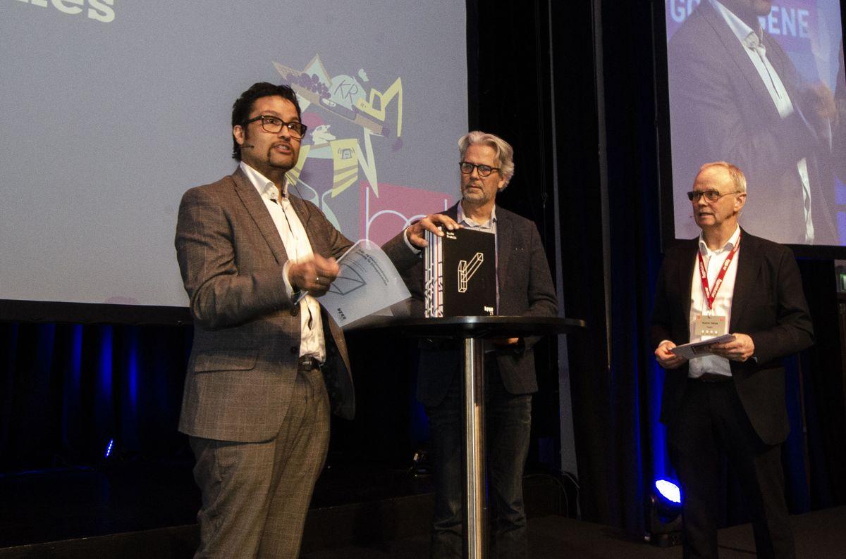 Daniel K. Siraj i OBOS (fra venstre), Jon Sandnes i BNL og Sverre Tiltnes i Bygg21. Foto: Sindre Sverdrup Strand