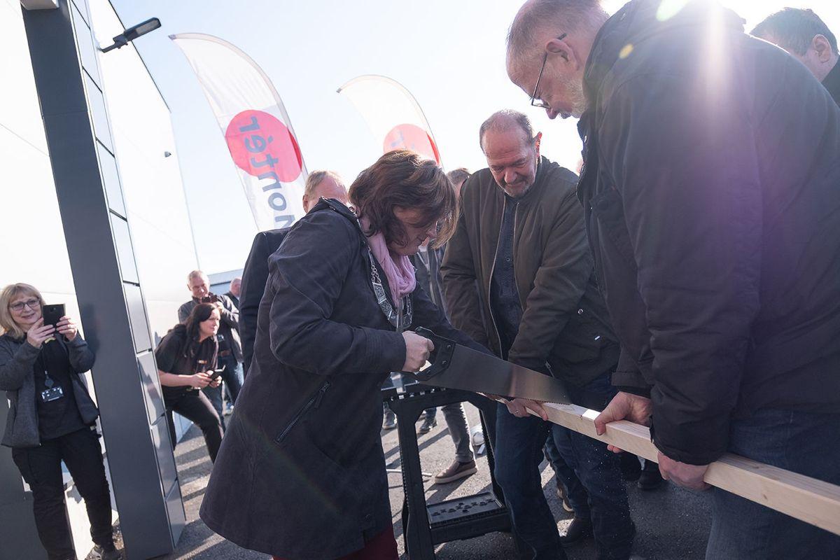 Averøy-ordfører Ingrid Ovidie Rangønes sto for den offisielle åpningen.
