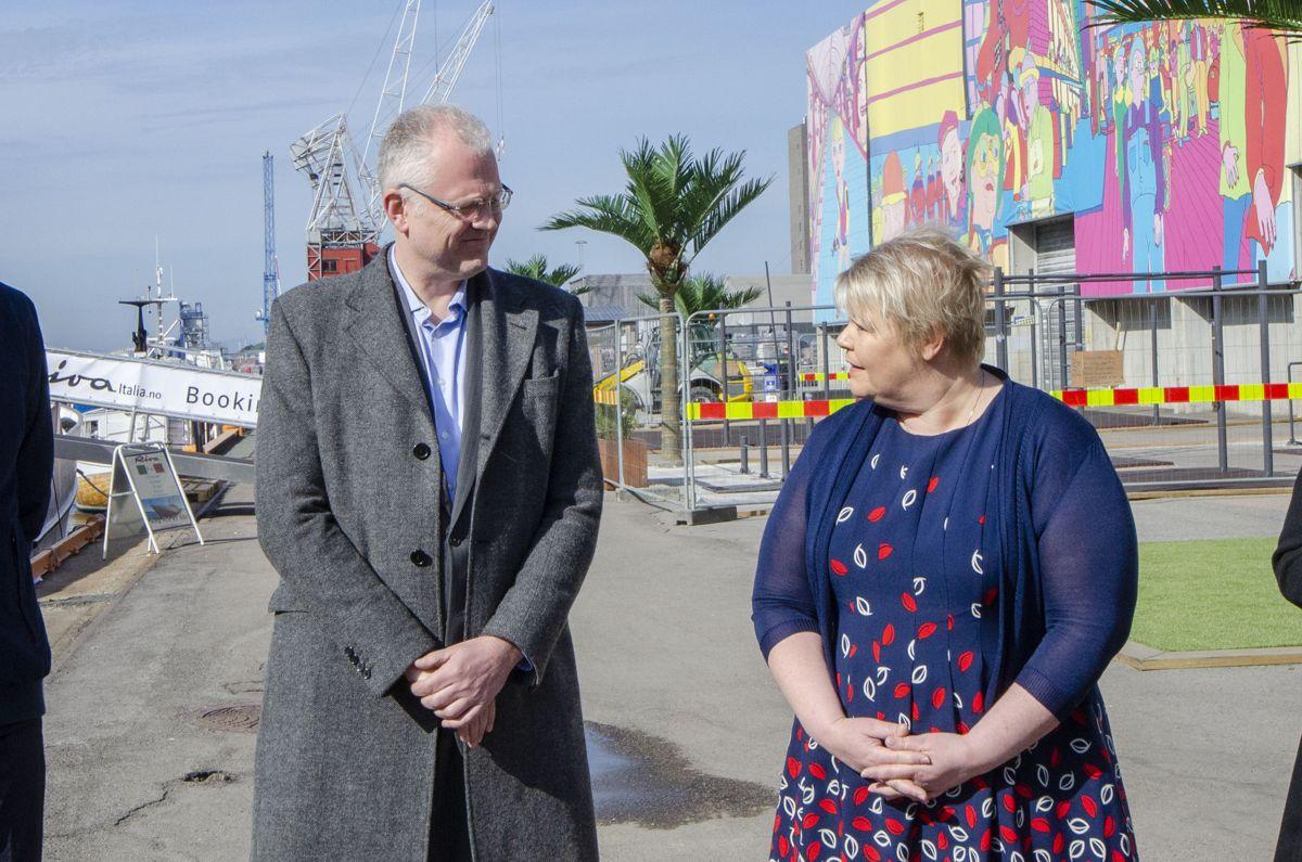 Styreleder Roger Schjerva i Oslo Havn og byråd for næring og eierskap Marthe Scharning Lund.