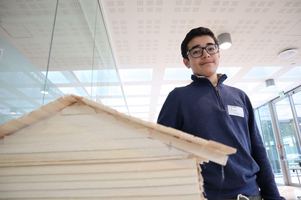 15-åringen Ishak El Messoudi er en av 800 ungdomsskoleelevene som har vært med på Småhusprosjektet. Foto: Svanhild Blakstad