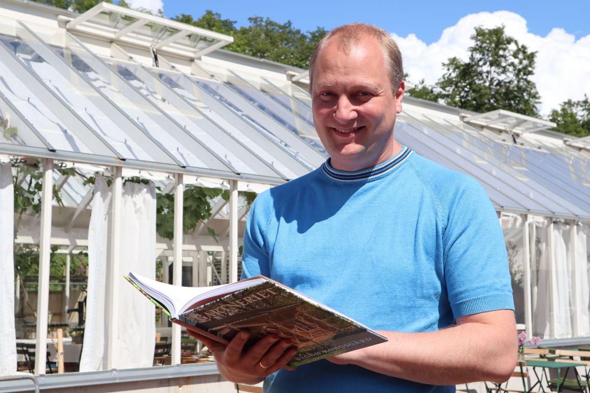 Landskapsarkitekt Bjørn Anders Fredriksen, NMBU, er en av mange bidragsytere til boken om gartneriet på Bygdøy Kongsgård. Han har også tatt sin doktorgrad på realiseringen av folkeparken Bygdø Kongsgård. Foto: Svanhild Blakstad