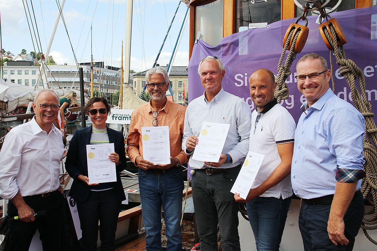 Fra lanseringen av signeringskampanjen. F.v. Sverre Tiltnes (Bygg21), Heidi Wolden (Kruse Smith), Jon Sandnes (BNL), Truls Nergaard (Storebrand), Jon-Olav Sigvartsen (JOS Bygg) og statssekretær Torleif Fluer Vikre.