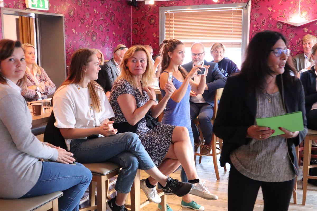 Loveleen Brenna (i front) var møteleder. Foto: Svanhild Blakstad