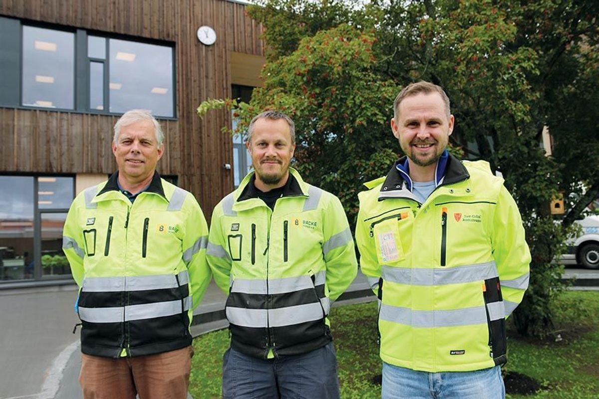 Prosjektleder Ole Gunnar Holen i Sør-Odal kommune, anleggsleder Tommy Ekornhol og prosjektleder Terje Skjønhaug i Backe Romerike, kan fortelle om et godt samarbeid mellom entreprenør og byggherre.