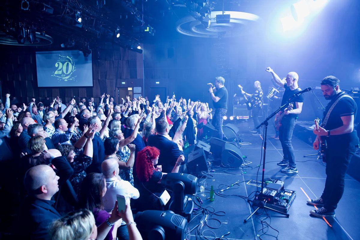 Bursdagsfesten ble avsluttet med DDE-konsert. Foto: VVS Eksperten