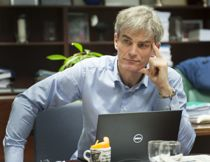 Jotun-arving Bjørn Ole Gleditsch(H) topper igjen lista over de mest formuende ordførerne. Foto: Terje Lien