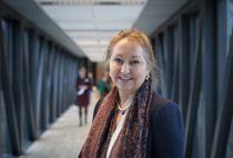 Overfører utgifter: KS-leder Gunn Marit Helgesen mener at staten rettighetsfester tjenester, men i stadig større grad overlater kostnadene til kommunene. Foto: Terje Lien