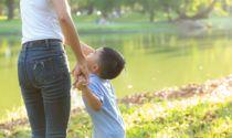 En ny barnevernsmodell skal gi hjelp til barn og familier så tidlig som mulig, slik at barn skal slippe å måtte flytte fra foreldrene. Illustrasjonsfoto: Colourbox