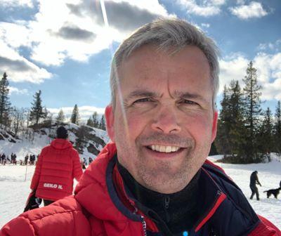 Østre Toten-ordfører Bror Helgestad håper Statsforvalteren stiller med skjønnsmidler når kommunen nå må kjøpe nye servere og rydde opp etter dataangrepet sist helg.