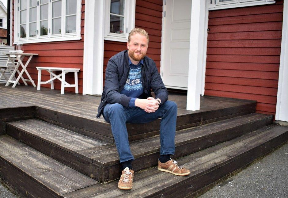 Ullensakers nye ordfører Eyvind Schumacher (Ap) er småbarnsfar og miljøkonsulent. Han har selv gått i bresjen for å redusere egen godtgjørelse. Foto: Thomas Frigård