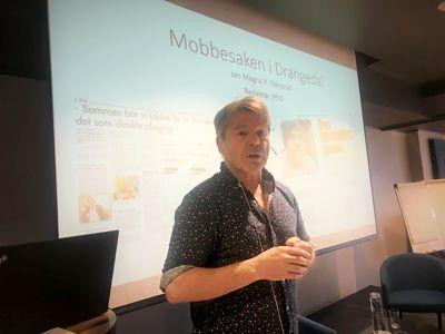Som redaktør i Drangedalsposten har Jan Magne Stensrud vært i flere basketak med kommunen. Han avslørte blant annet mobbesaken som fikk nasjonal oppmerksomhet.