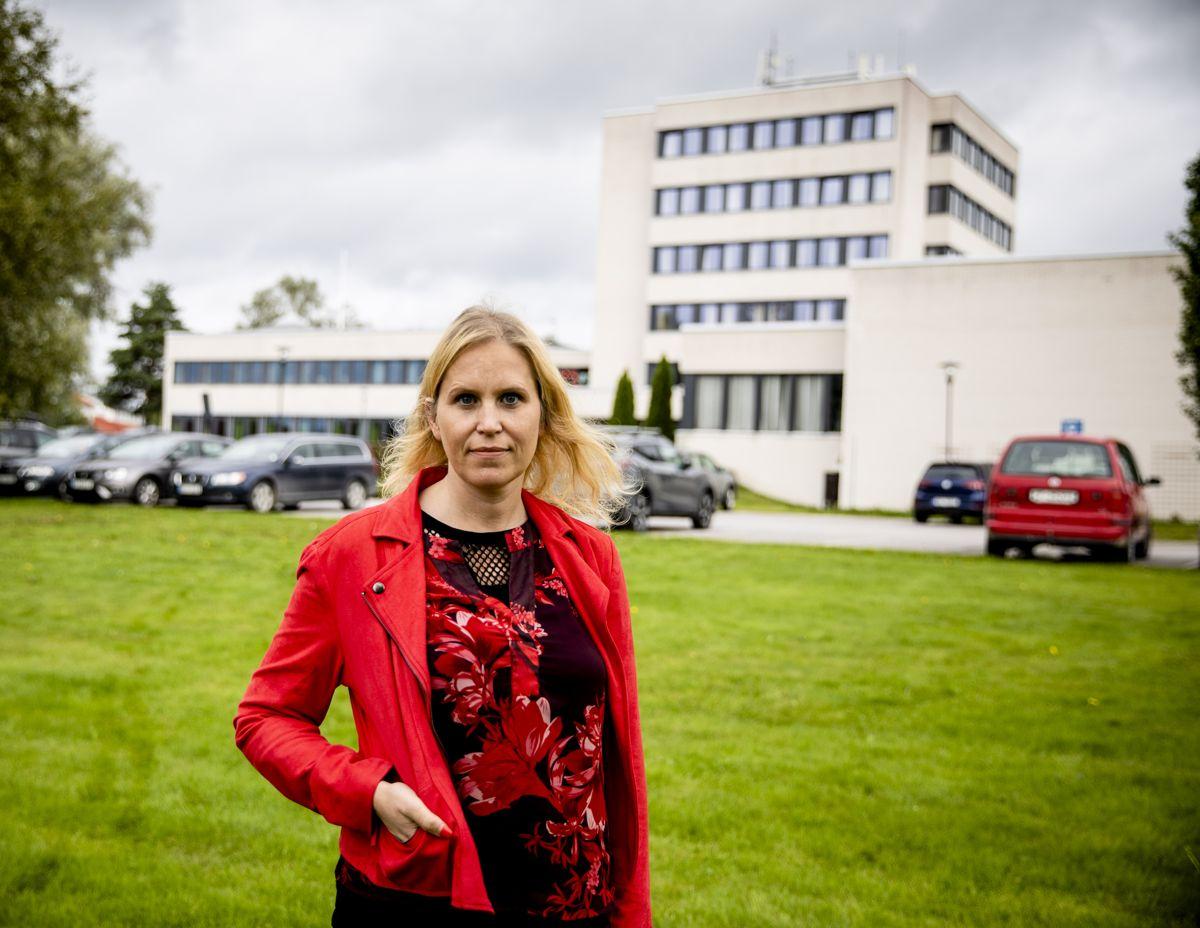 Tilsynsrapporten fra Fylkesmannen er en og en halv måned gammel, men for ordfører Kamilla Thue (Ap) i Eidskog er den fortsatt ukjent. Foto: Magnus Knutsen Bjørke
