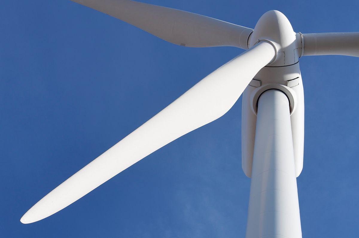 Frostating lagmannsrett tilkjente reineierne nesten 90 millioner kroner i erstatning for tapte beiteområder på grunn av vindkraftutbyggingen på Fosen i Trøndelag. Fosen vind anket til Høyesterett.