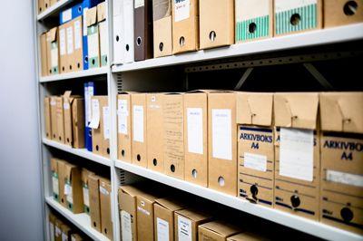 Rogaland fylkeskommune må sette av mer ressurser til å få orden på gamle papirarkiver, mener Arkivverket. Illustrasjonsfoto: Magnus Knutsen Bjørke