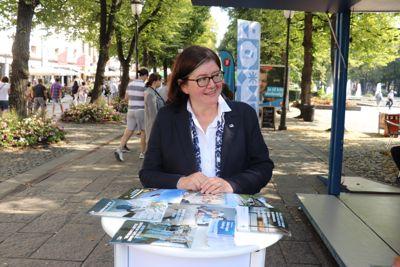Fylkesordfører i Akershus, Anette Solli (H), er ikke nådig i sin kritikk av at NRK fikk gjennomføre valgmanipulering på Lillestrøm videregående, med velsignelse fra administrasjonen i fylkeskommunen. Foto: Tone Holmquist