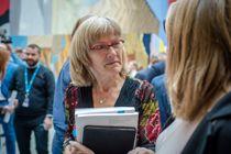 Karin Andersen (SV), leder i kommunalkomiteen, og resten av Stortinget behandler kommuneproposisjonen i dag. Foto: Joakim S. Enger