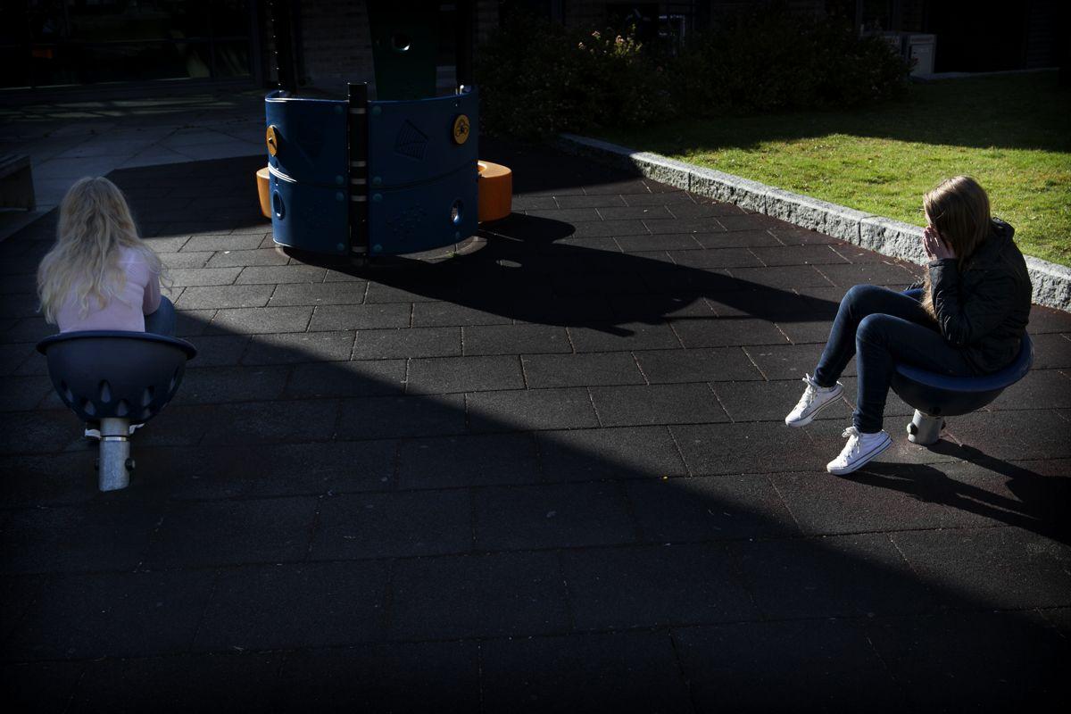 Samtidig som 90 prosent av ungdgommene i Ungdata-undersøkelsen har en fortrolig venn, sier 20 prosent at de er ensomme. Foto: Magnus Knutsen Bjørke