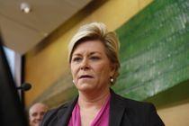 Finansminister Siv Jensen (Frp) sier regjeringen skal legge opp til ansvarlig oljepengebruk i neste års statsbudsjett. Arkivfoto