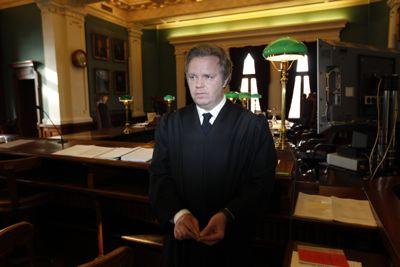Klar tale: Advokat Jon Wessel-Aas mener at det bryter med ytringsfriheten å nekte tidligere ansatte å snakke negativt om kommunen. Foto: Lise Åserud / Scanpix