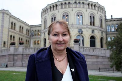 - Forebyggende etikkarbeid er viktig for å sikre tillit til lokaldemokratiet, sier styreleder i KS Gunn Marit Helgesen. Foto: KS