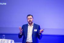 - Å harmonisere tjenestene er ressurskrevende, understreket Kjartan Møller, prosjektdirektør i nye Stavanger, da han innledet på erfaringskonferansen for sammenslåingskommuner.  Foto: Magnus K. Bjørke.