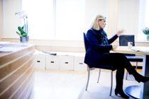 Kommunalminister Monica Mæland (H) har vært kritisk til selskapet Sødermanns virksomhet. I dag møter Mæland både representanter fra KS, Sødermann og Norges kommunerevisorforbund. Foto: Magnus Knutsen Bjørke