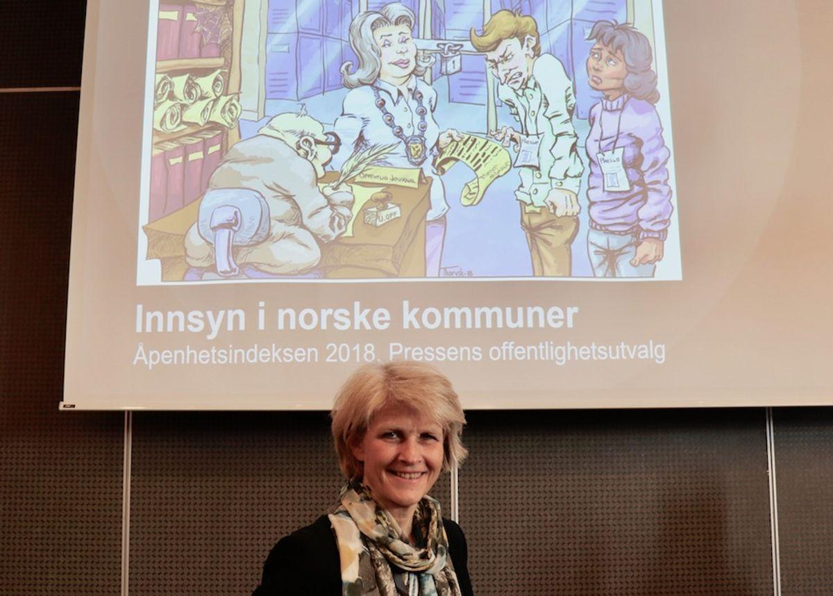 Leder Siri Gedde-Dahl og resten av offentlighetsutvalget i Norsk presseforbund kommer med 30 tiltak for mer åpenhet i Kommune-Norge. Foto: Tone Holmquist