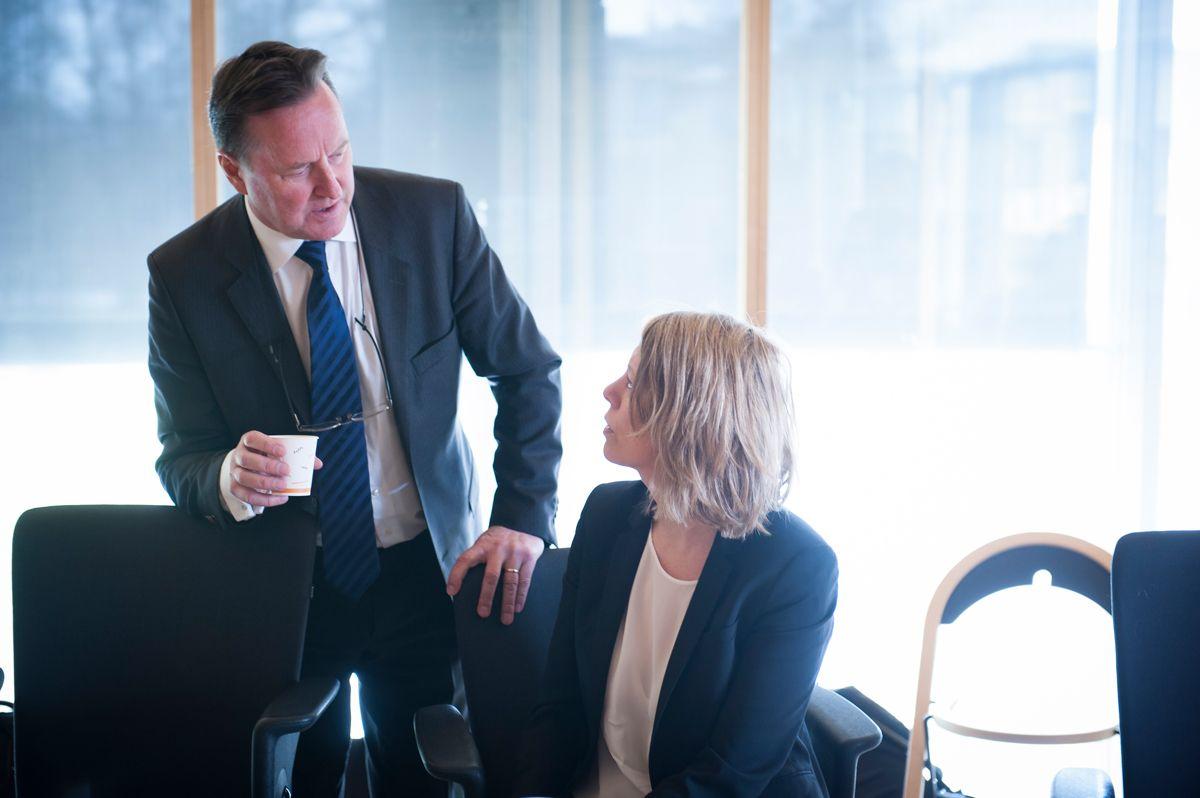 Granskerne Per Arne Damm og Lill Egeland fant at varslerne i Fredrikstad er blitt utsatt for gjengjeldelse i strid med arbeidsmiljøloven. Foto: Terje Lien