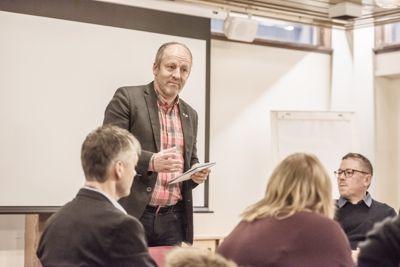 Lenvik-ordfører Geir-Inge Sivertsen (H) mener selv han er habil til å delta i kommunestyrets behandling av saken 8. mars. Foto: Lisa Rypeng