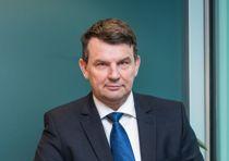 Justisminister Tor Mikkel Wara (Frp) sender over et forslag til endring i offentlighetslova i februar. Foto: Justisdepartementet /Olaf Heggø, Fotovisjon