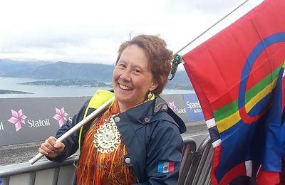 – Oj, det var stort. Nå var det godt jeg satt i stolen, sa Nav-leder Márjá Eira da hun fikk vite at hun er nominert som Årets kommuneprofil. Foto: Privat