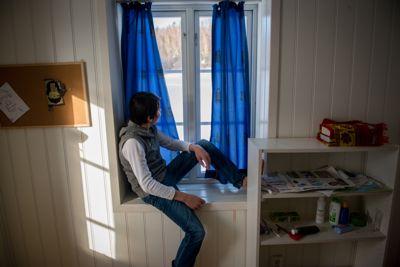 Stortinget sa i forrige uke nei til å gi mindreårige som har fåttavslag på asylsøknaden, rett til videregående opplæring mens de venter på å bli sendt ut av landet. - Et brudd på FNs barnekonvensjon, mener en rekke organisasjoner i rapport til FN. Illustrasjonsfoto: Joakim S. Enger.Foto: Joakim S. Enger