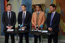 De finanspolitiske talspersonene presenterte budsjettavtalen i Stortinget i går: Henrik Asheim (H), Kjell Ingolf Ropstad (KrF), Abid Raja (V) og Helge Andre Njåstad (Frp). Foto: Ørn Borgen/NTB scanpix