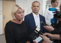 Kommunalminister Monica Mæland (H) møtte fylkeskrådsleder i Troms Willy Ørnebakk (Ap) 20. august, men Finnmark nektet å møte for å diskutere den fastlåste situasjonen. Foto: Terje Lien