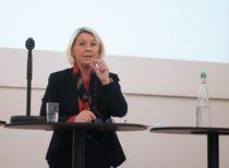 Kommunalminister Monica Mæland (H) spekulerte i hva KrFs landsmøte vil bety for regionreformen på KS' landsstyremøte i dag. Foto: Terje Lien