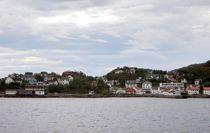 Lødingen ligger i Nordland fylke ytterst i Tjeldsundet. Foto: Manxruler /Wikimedia