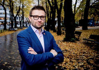 Leder av kontrollutvalget i Trondheim kommune, Rolf Jarle Brøske (H), forventer at folkevalgte og ansatte blir flinkere til å registrere opplysninger i Styrevervregisteret.