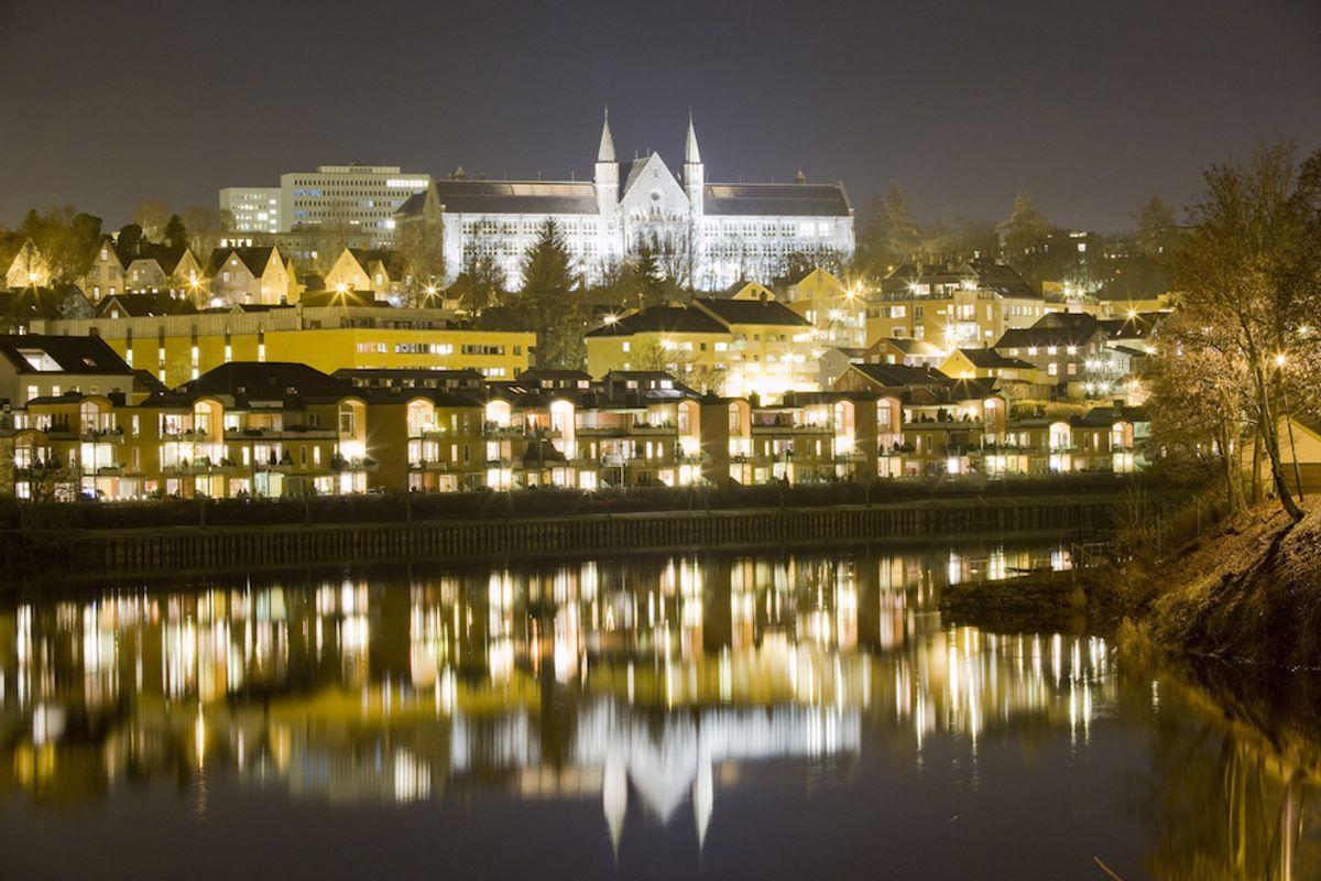 EU-regler har forsinket prosessen med å opprette landets første kommunale lobbyregister i Trondheim. Foto: Colourbox.com
