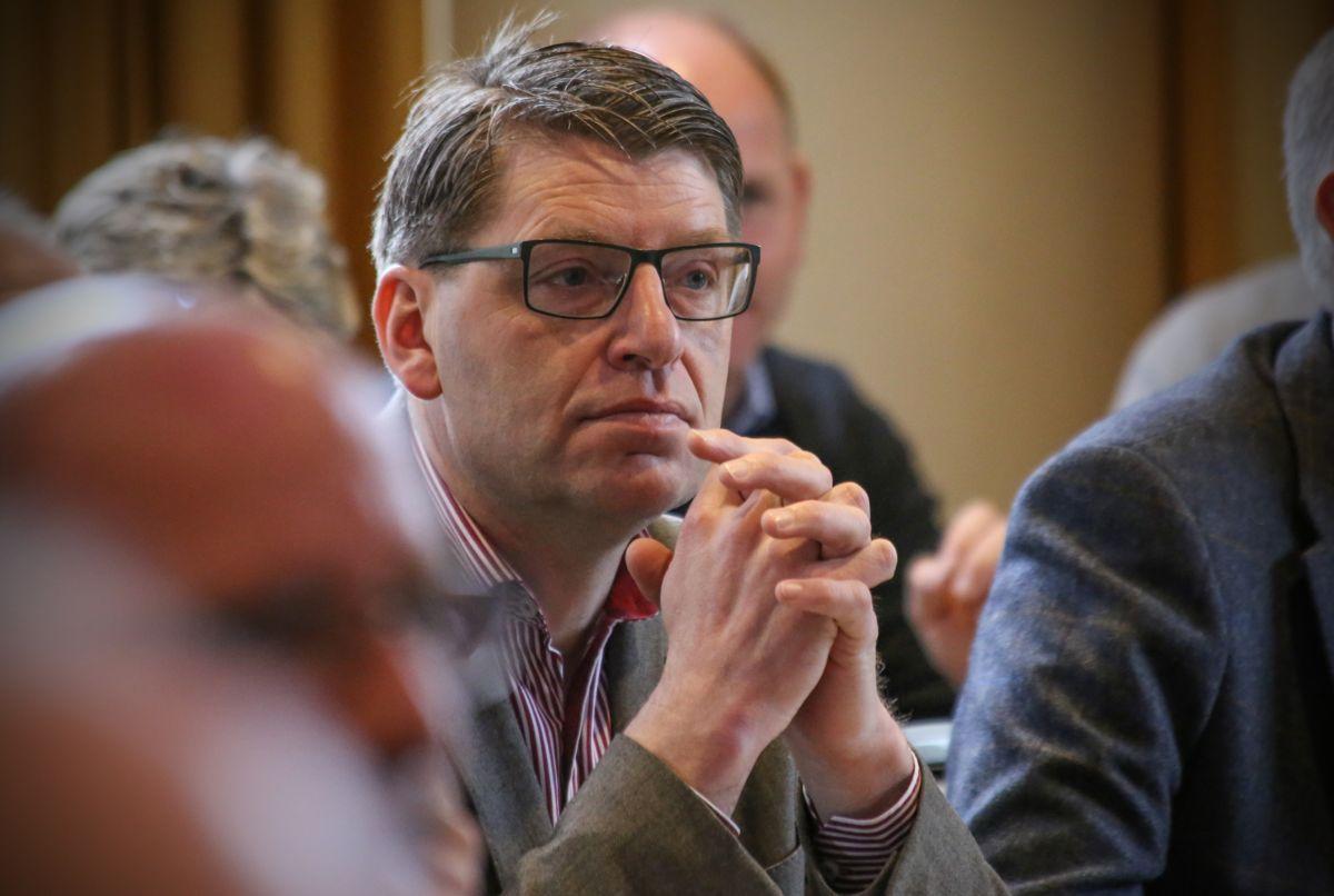 Ola Tore Dokken, ordfører (Sp) i Nordre Land, sier det er flere interessante søkere på søkerlista til kommunedirektørjobben. Her fra Senterpartiets ordførerkonferanse i 2017.