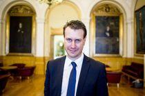 <p>Helge André Njåstad (Frp) i Stortingets kommunal- og forvaltningskomité leder for tiden partiets forhandlinger med regjeringen om Kommuneproposisjonen for 2021.</p>