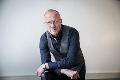 Generalsekretær Arne Jensen i Norsk Redaktørforening mener det er viktig å innføre straffereaksjoner for brudd på offentlighetsloven.