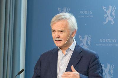 Ådne Cappelen har ledet Godtgjøringsutvalget som leverte sin rapport til Stortinget onsdag.