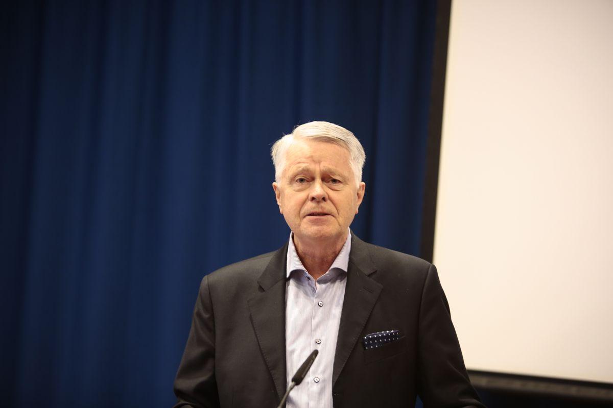 Kommunelovutvalgetets leder Oddvar Flæte møter motbør fra Justisdepartementet i saken om utvidet taushetsplikt for lokalpolitikere. Foto: Magnus Knutsen Bjørke